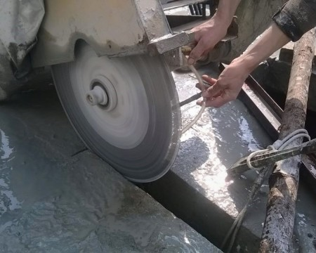 Drilling and cutting concrete 247 in Duc Hue – Do not do if you do not have experience